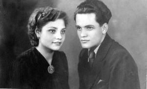 Cu sora sa, Irina Sirbu. Foto: Curtea veche.