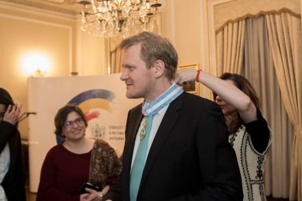 Kasper Holten primind Ordinul Serviciul Credincios in Grad de Comandor