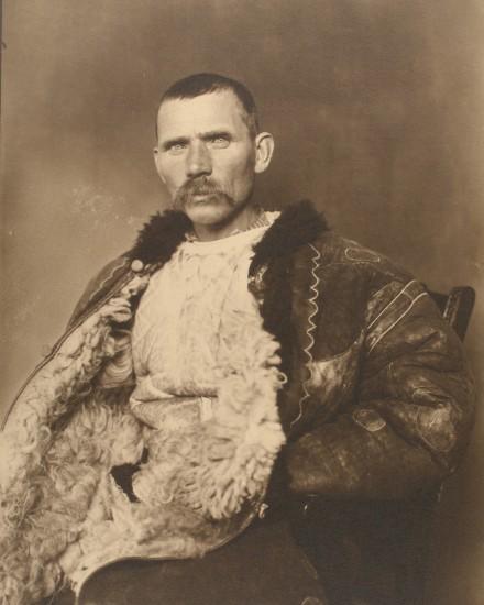 RI_02_Romanian_Shepherd_BW_1900s