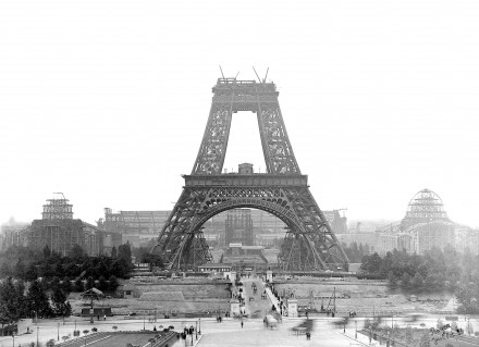 RI_22_Eiffel_Tower_BW_1888